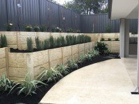 Planting and Retaining Wall Landscape Design Ideas